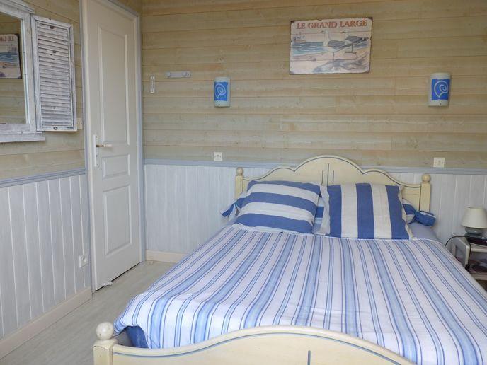 Chambre avec lit double (1)