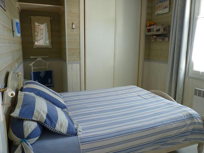Chambre avec lit double (2)