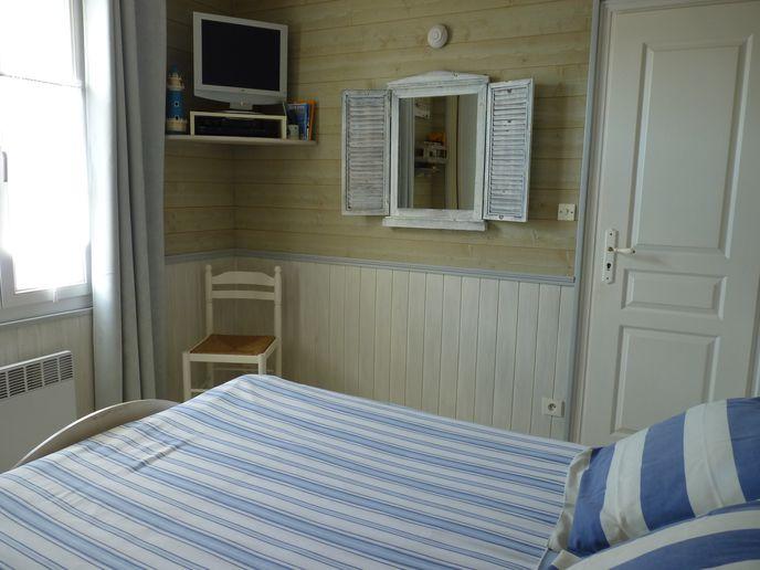 Chambre avec lit double (4)